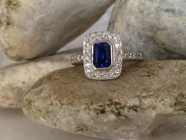 Sapphire & Diamond Ring designed by Catalisa Jewellery.