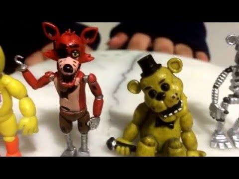 Kids reviewing Five Nights At Freddy's: Collectible Figure Set #1 : UNBOXING  AND REVIEW