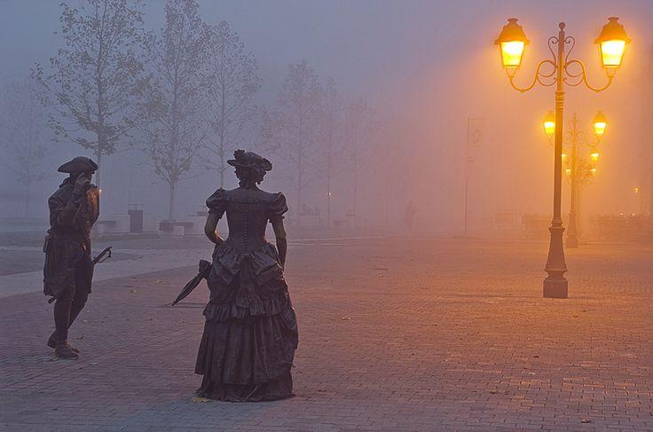 Ragards, Madam! morning, citadel, foggy, statues, prommenade, Alba Iulia
