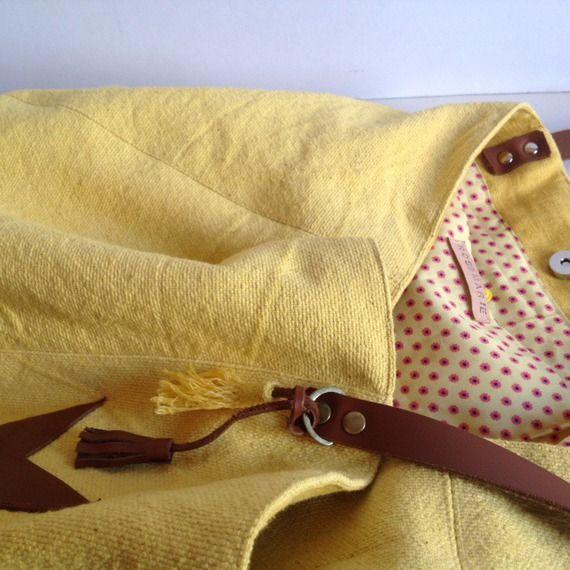 Cabas táska sárga pamut és barna bőr és egy csillag