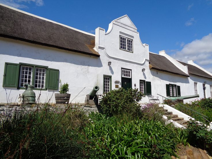 In 1969 a huge 6.3 earthquake did major damage to most houses in Tulbagh. Those in Church Street were so well renovated that it today has the most provincial heritage sites in one street in South Africa