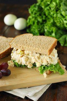 Traditional Southern Chicken Salad ... creamy & comforting!   www.thekitchenismyplayground.com