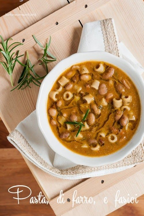 """Se la scorsa settimana è stata all'insegna dei dolci, questa sarà dedicata ai piatti """"caldi"""", """"sani"""", confortanti. Niente di meglio di una zuppa. Ancora pi"""