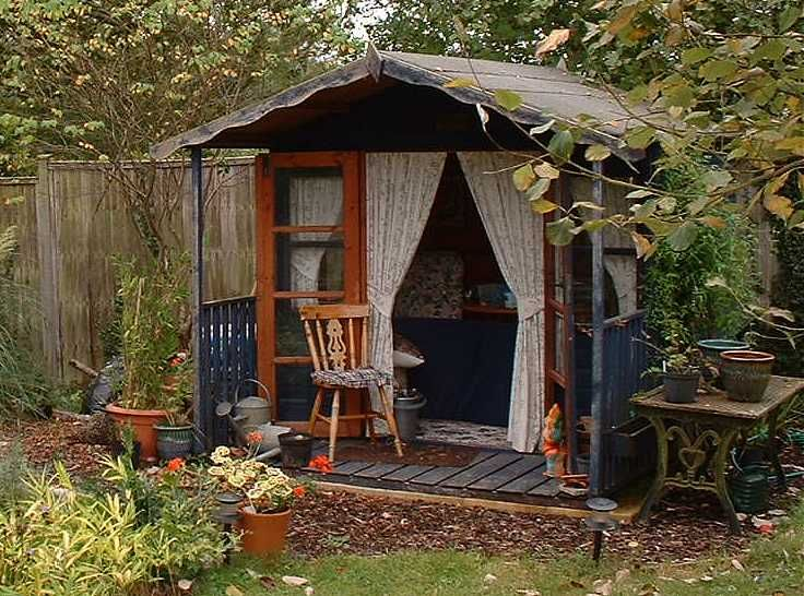 interiors of metal shed studio | Tuesday, July 03, 2007 at 12:19 in Autumn Cottage House and Garden ...
