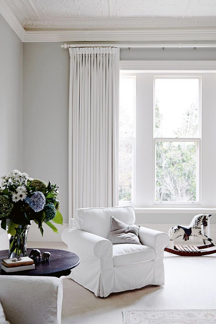 913245-1_lp white living room