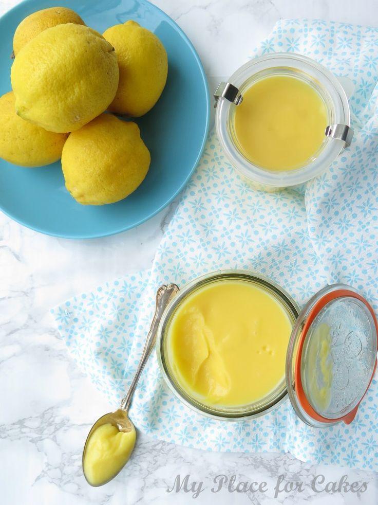 Første gang jeg smagte Lemon Curd var jeg solgt. Det var i England på nybagte scones. Det var sødt og på samme tid syrligt. Lækkert. Vanedannende.