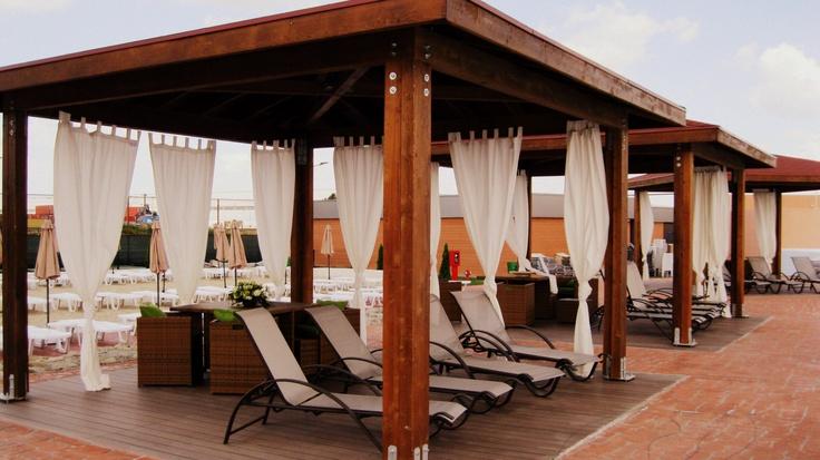 Baldachinele aşteaptă..  www.divertiland.ro