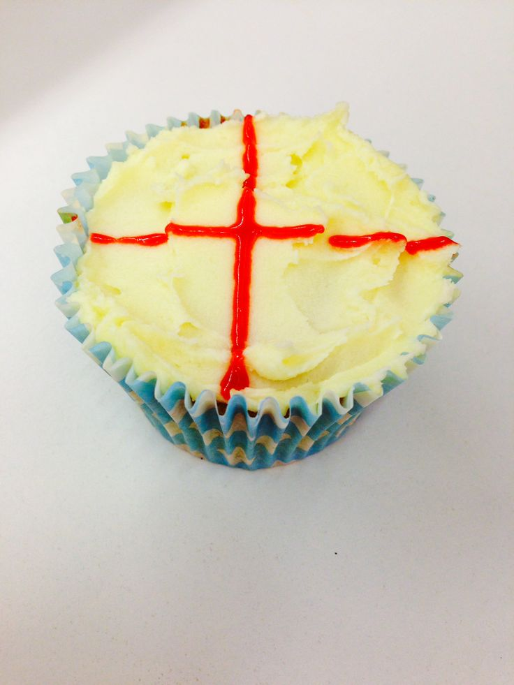 Getting a little patriotic with these little cupcake by Lora T #ZealTreats #LifeatZeal #Cake #WorldCup
