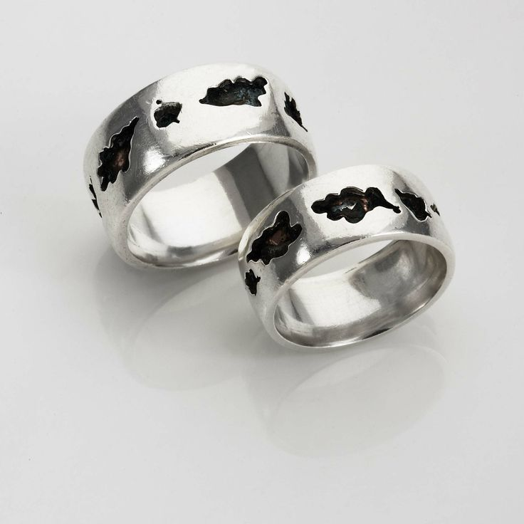 Oak Leaf and Acorn His and Hers Wedding Bands