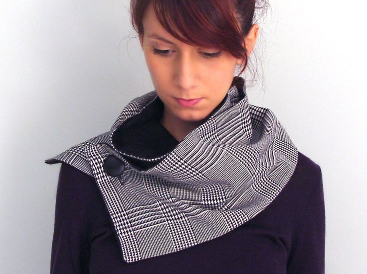 Button scarf in black & white wool with houndstooth plaid - FOR SALE: 44.00€ - Click here: clothbot.gr - clothbotshop.etsy... - Fall Winter 2015 accessories, scarves trends
