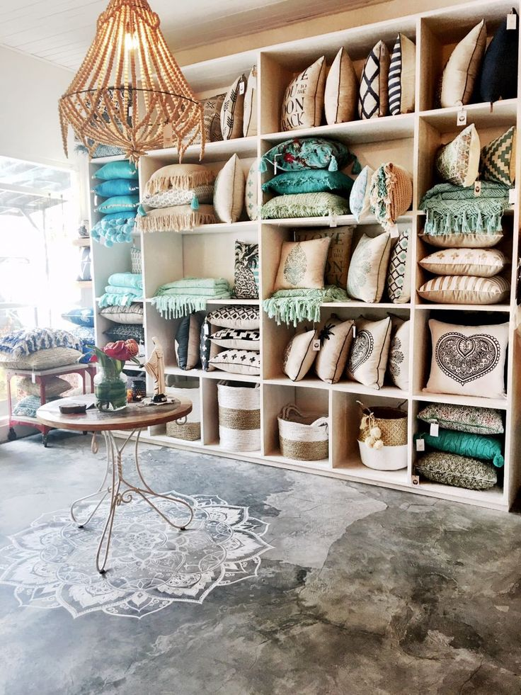 Bungalow living is a homewares-lifestyle store in Canggu, Bali. They sell beautiful rugs, throws, cushions, and many gifts for friends or your own home.