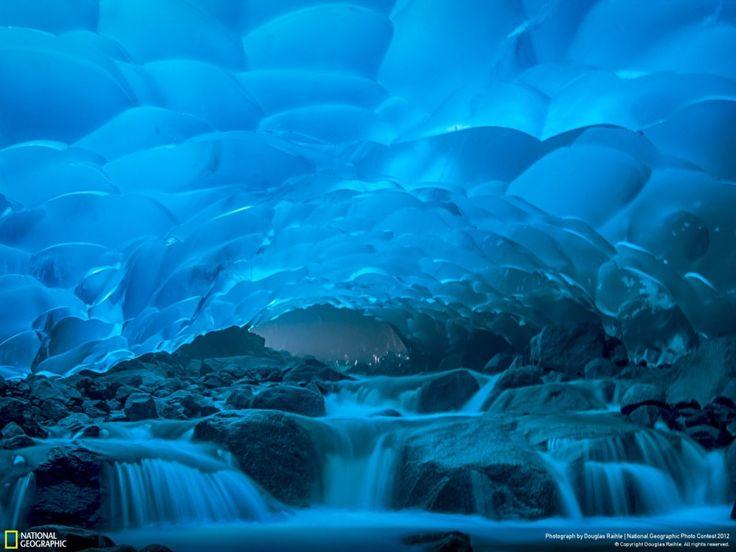 LES GROTTES DE GLACE DE MENDENHALL, JUNEAU, ALASKA  Une merveille de la nature qui risque malheureusement de disparaître, en cause le réchau...