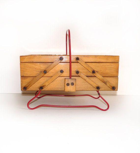 Petite Travailleuse Vintage en bois - Boîte à couture accordéon - Circa 1950