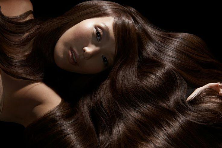 Uma em cada duas mulheres sofre de cabelo indomável, encaracolado ou frizzy. De caracóis que não podem ser controlados ao cabelo que parece que tem vida própria - muitas mulheres não conseguem encontrar uma solução para os seus cabelos indomáveis. #Kerasilk #hair #keratin #haircare