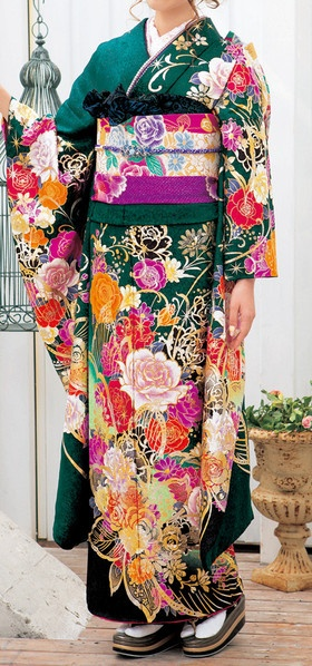 World of beautiful Japanese kimono Furukode