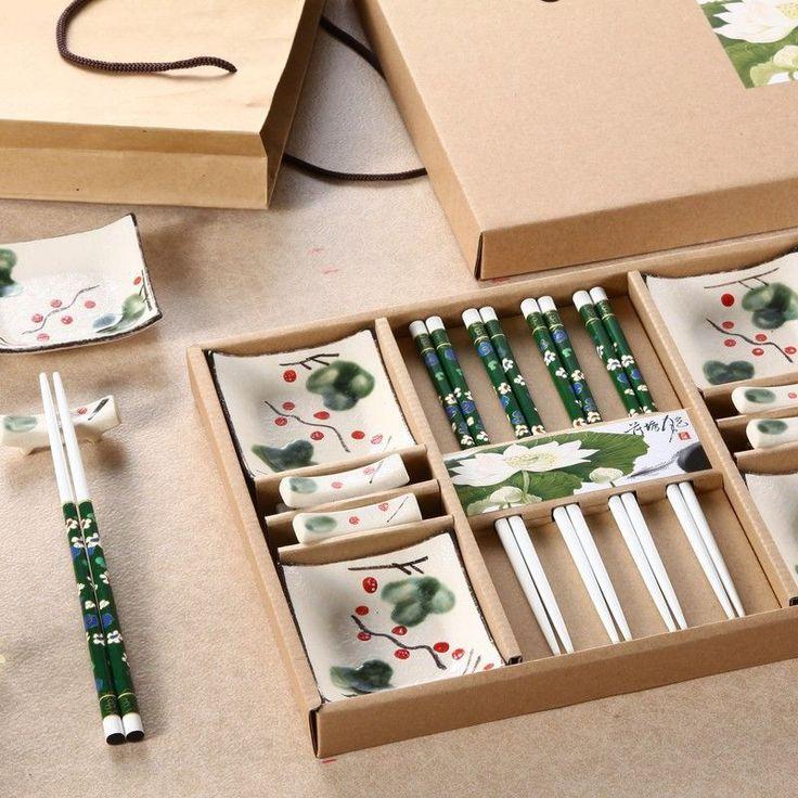 Gift Chopsticks Set 4 pairs of chopsticks + 4 rest + 4 saucer ceramic tableware models Japanese sushi Cutlery sets Lucky Cat