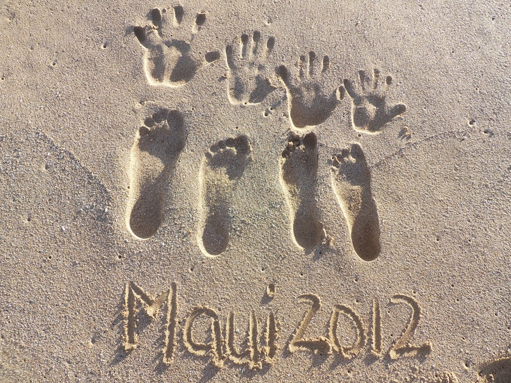 Idea for souvenir pic. Write place and year with the family's handprints and footprints.