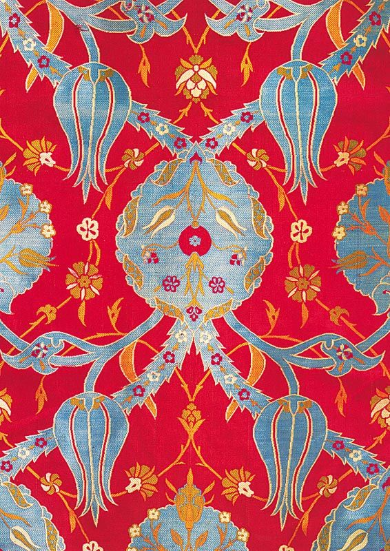 Ottoman  textiles / late 16th century kaftan fabric • ogival vine with medallions and tulips