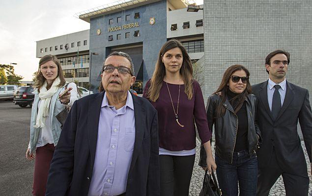 Acusado no Comitê de Direitos Humanos da ONU de cometer arbitrariedades na Lava Jato, o juiz Sérgio Moro deu uma lição de tática a Lula, seu detrator. Contra a vontade da Procuradoria da Rep�...