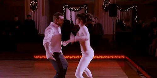 Pin for Later: Les 24 Fois Où Nous Avons Souhaité Etre Jennifer Lawrence Quand elle a eu la chance de pouvoir danser avec Bradley Cooper dans Silver Linings Playbook Imaginez à quel point les entrainements ont dû être intenses.