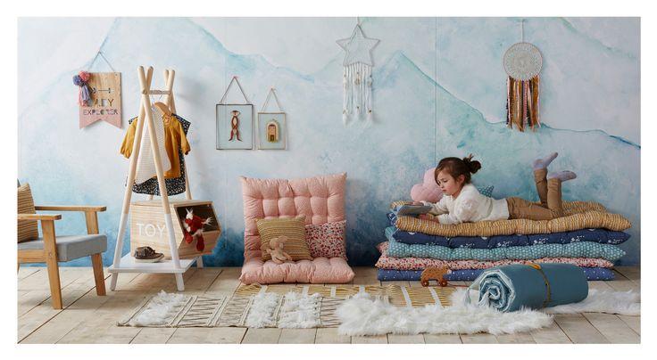 VERTBAUDET - Aménager un coin lecture pour sa chambre avec des coussins et des matelas de sol.