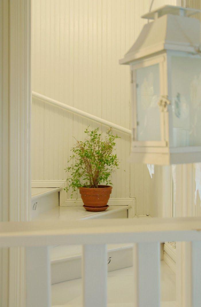 Tarja's Snowland Blog  / old house / renovated / staircase / hall / lobby / scandinavian home / scandinavian house /