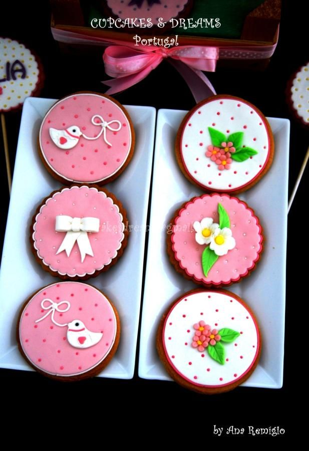 1º BIRTHDAY COOKIES FOR JULIA - Cake by Ana Remígio - CUPCAKES & DREAMS Portugal