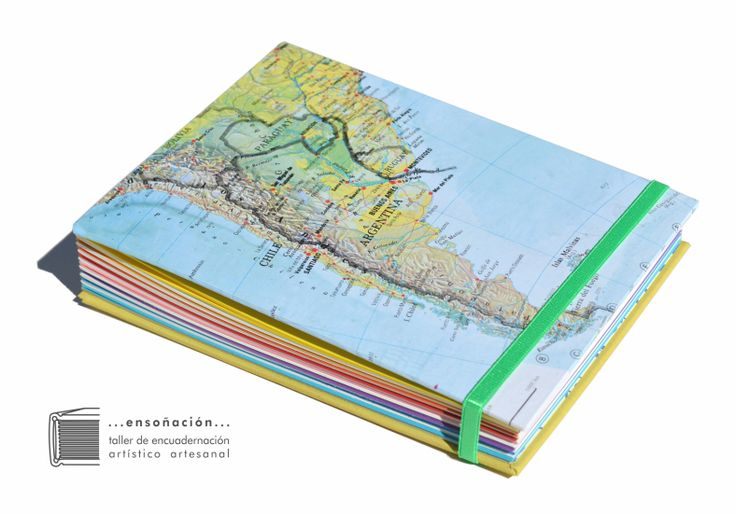 • Cuadernitos Multicolores • Podes elegir el mapa para la tapa •   Cubierta de Mapas y tela – Costura expuesta con cintas – 144 hojas (64 hojas de colores  de 120grs y 80 hojas ahuesadas de 80grs) – tamaño: 12,5 x 17,5cm – Elástico