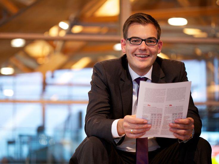 mo.FOTO ... Portrait Tobias Birx, Finanzberater
