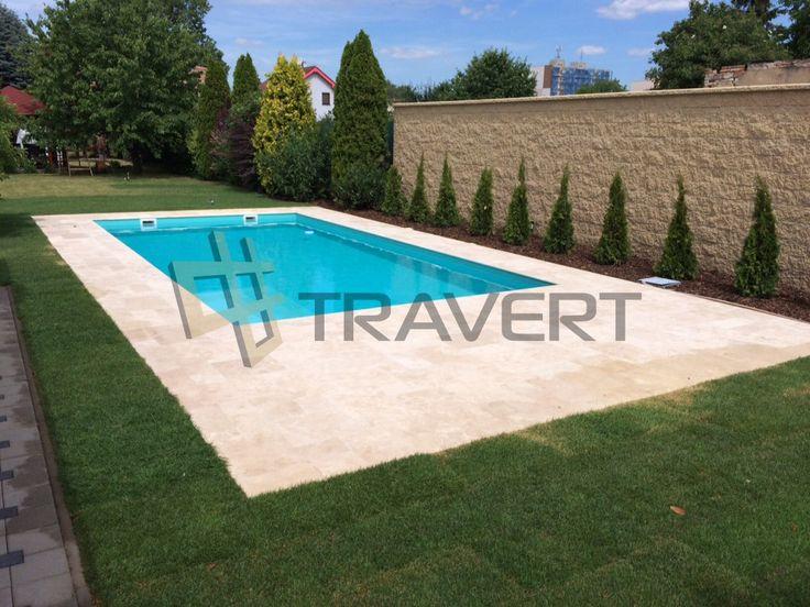 Exteriérová travertínová dlažba okolo bazénu | Travert s.r ...