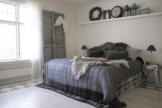 Love this shabby chic masculine room!  Great wall treatment!  love the floors with border detail