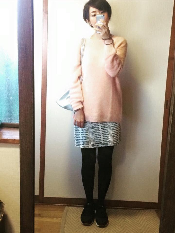 ユニクロモヘアブレンドセーターのやわらカラーコーデ 10月19日