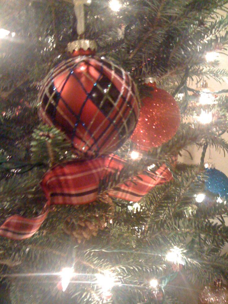 Christmas Tree Decorating With Ribbon Ideas