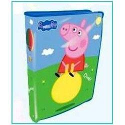 El regreso al cole está a la vuelta de la esquina y es posible que hayas estado buscando mochilas Peppa Pig para tus hijos