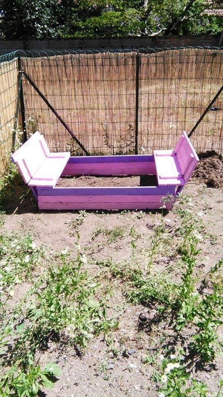 no-cost pallet sandbox with seats