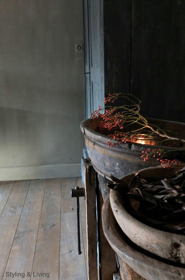 Stoer en robuust wonen | Carte Colori kalkverf op muren | Annie Sloan krijtverf op kast | www.stylingdandlivingshop.nl