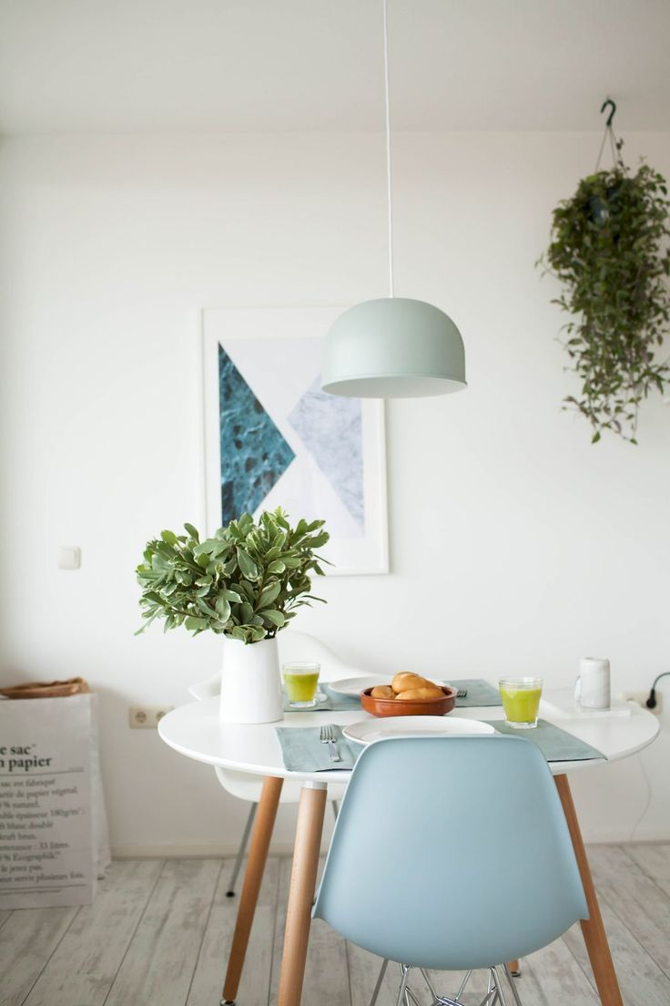 Adorable 60 Amazing Small Dining Room Table Furniture Ideas https://roomodeling.com/60-amazing-small-dining-room-table-furniture-ideas
