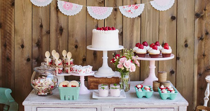 Love: this vignette and the cute doily + pp garland//Strawberry Party Tablescape - Jessica Downey