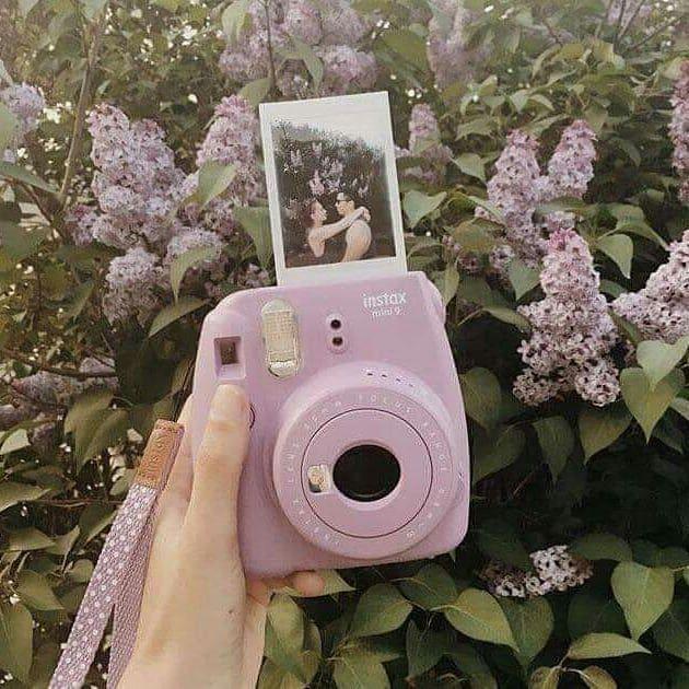 هدايا مواليد شهر نوفمبر ليه متكونش ككد ومن عندى انا مولى منشن لاحبابكم ياحلوين مواليد شهر 11 ل Polaroid Photography Polaroid Camera Pictures Instax Camera