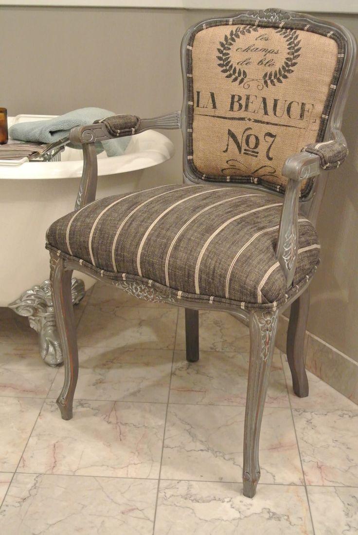 Silla francesa tapizada en arpillera. Perfecta para tu rincón preferido de tu casa u oficina. by Chair Whimsy