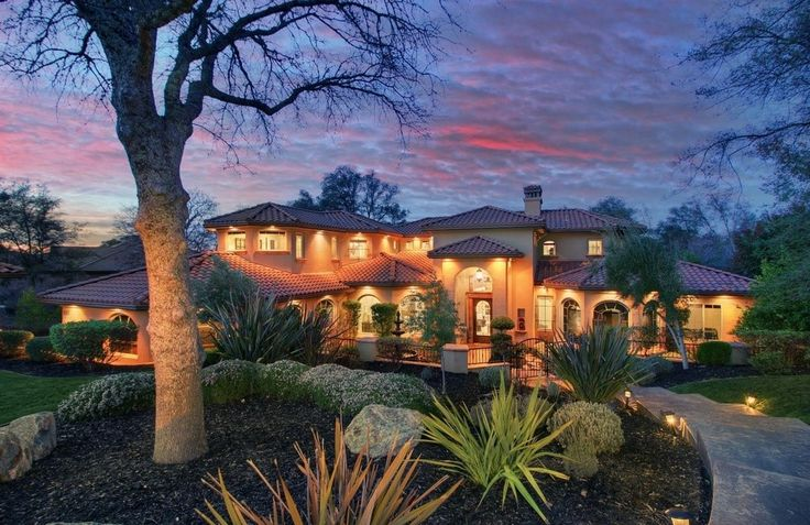 Sacramento | Lake Tahoe Luxurious country club estate in El Dorado Hills. Listed by: Maura Tierney Real Estate | Coldwell Banker Previews International​