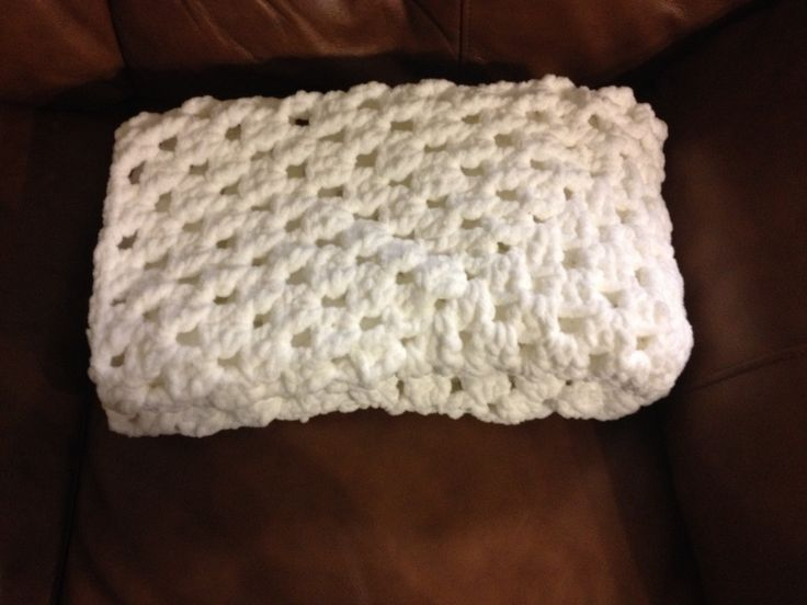 Granny stitch baby blanket using Bernat baby super bulky ...