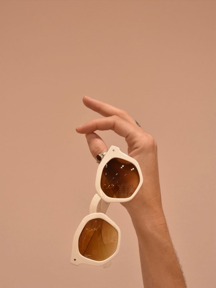 Charly Therapy Barcelona / Sunglasses store / passeig del Born 26, Barcelona Sunglasses Store, Cute Sunglasses, Sunnies, Space Photography, Creative Photography, Fashion Photography, Fashion Eye Glasses, Photography Accessories, Estilo Retro