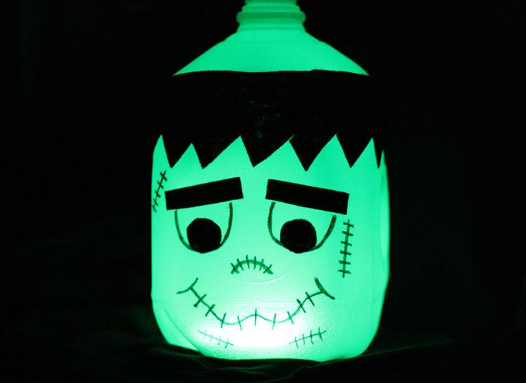 Great for a front porch decoration, lining the walk, or for little ones to carry with them while trick or treating! This Frankenstein milk jug craft I made for KixCereal.com comes complete with a printable pattern and easy instructions. Head over to Kix Cereal for the tutorial! –> Glowing Frankenstein Milk Jug ANOTHER CRAFTY IDEARead More »