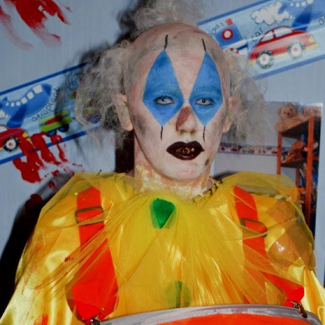 Baby's got blue eyes. Halloween clown, Scary clowns