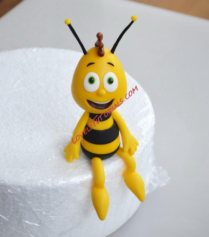 Bee cake topper tutorial