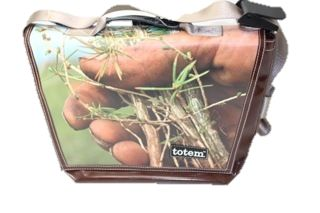 T3 Hip City Messenger Bags Roots - $155 (http://www.totembags.ca/t3-messenger-roots/)