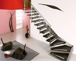 resultado de imagen para escaleras para espacios muy reducidos