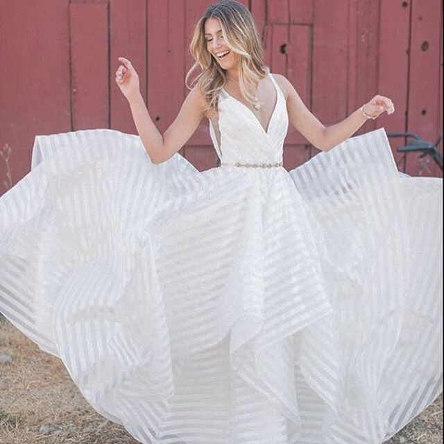 Current mood 💋 getting excited for the @misshayleypaige trunkshow this weekend @jandrewsbridal #repost from my friends @hautebridedesign #thebridalstylist #hayleypaige #decklyngown