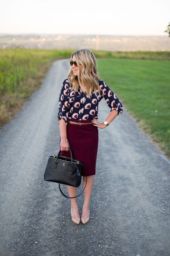 25-burgundy-pencil-skirt-a-printed-shirt-and-nude-heels